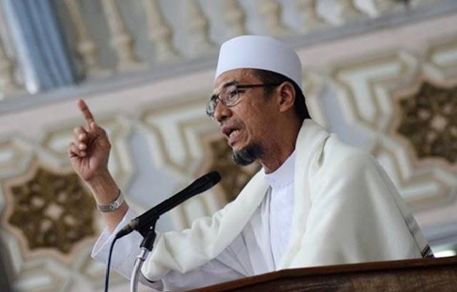 Penasaran Imam Shalat Jum`at 212 di Monas, Inilah Sosok Sang Imam