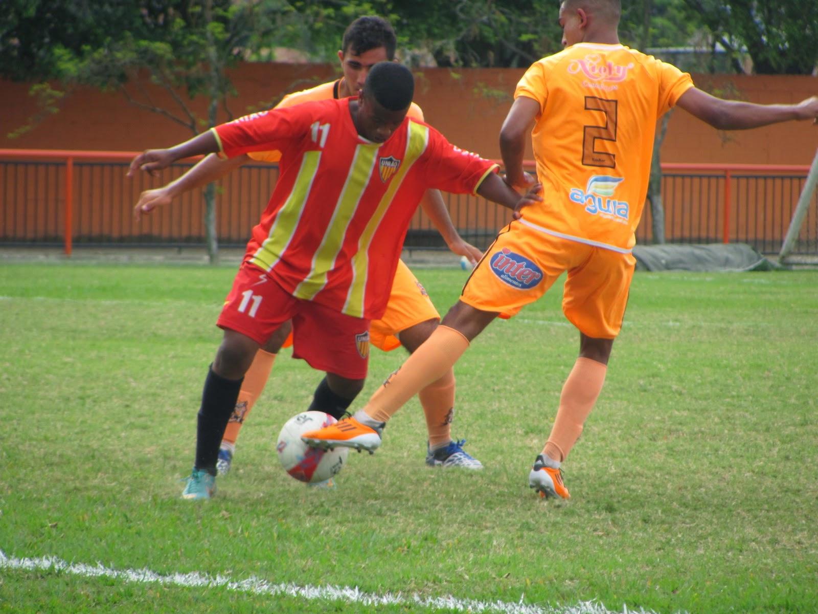 Folha do Iguassú  A bola vai rolar para o Torneio de Verão Iguaçuano 27b23c3583f00
