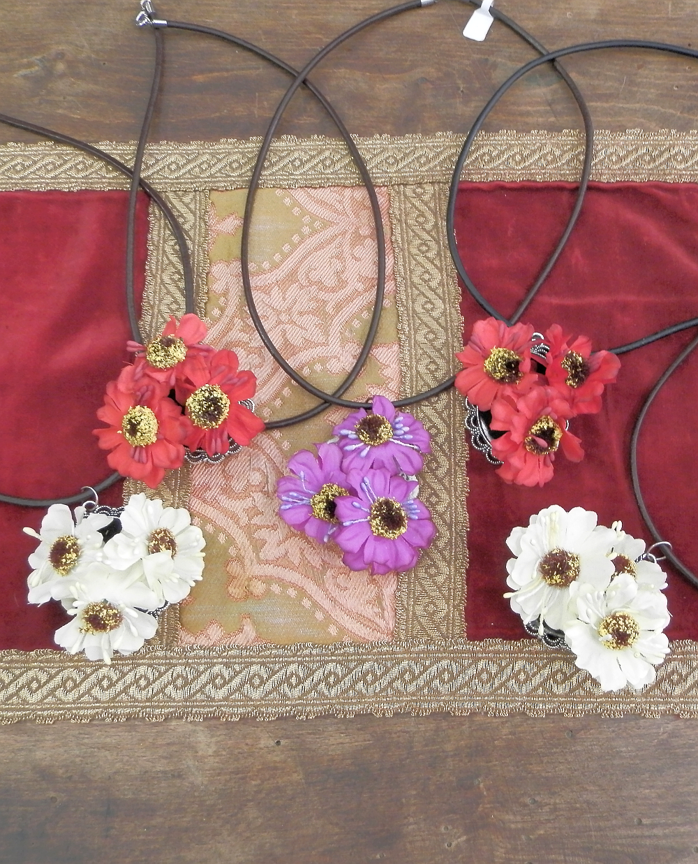 Floral necklace collection