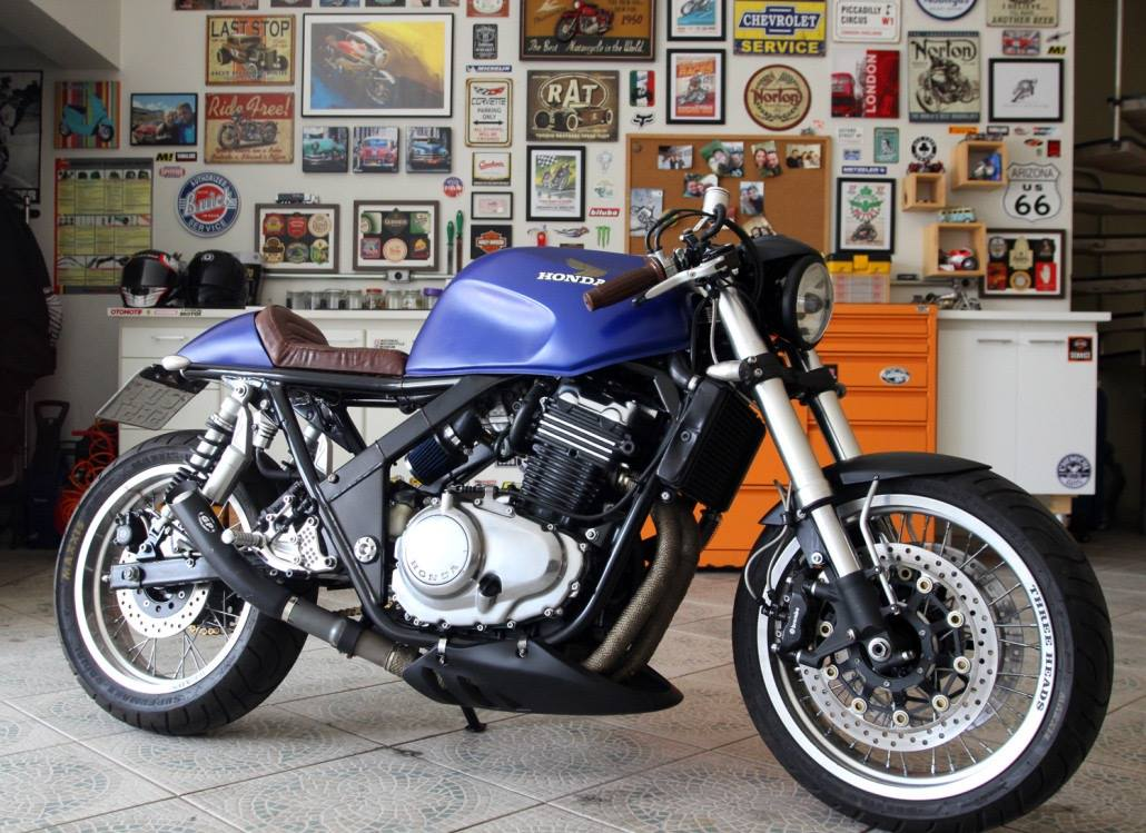 honda cb500 cafe racer rocketgarage cafe racer magazine. Black Bedroom Furniture Sets. Home Design Ideas