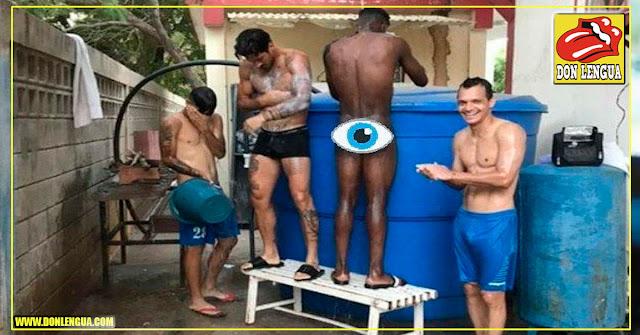 Jugadores del Zulia Fútbol Club deben bañarse con tobos al aire libre