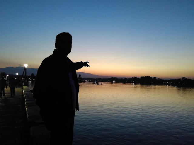 sunset in dal lake
