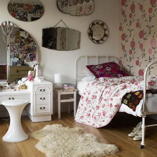 Shabby Chic Vintage Bedrooms: Distressed Vintage Bedroom Inspiration