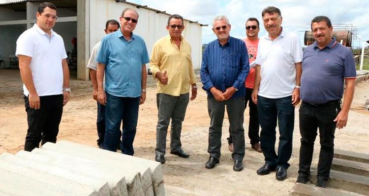 Prefeitos do Pajeú conhecem o modelo de gestão de José Patriota