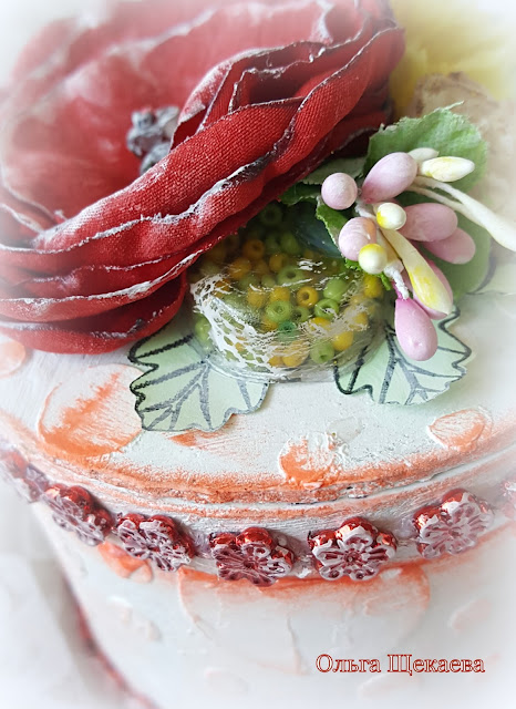 шкатулка, из бобинки от скотча. самодельные цветы, шейкер