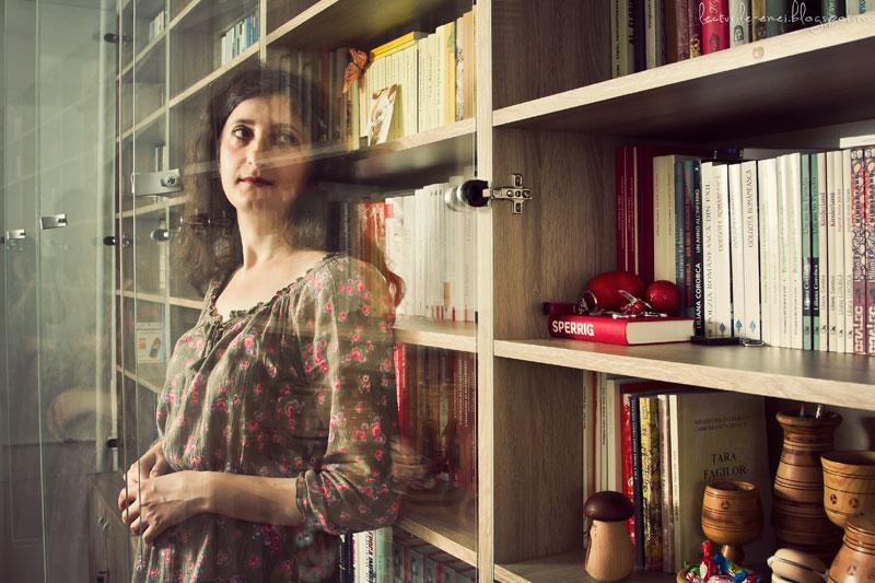 scriitoarea Liliana Corobca