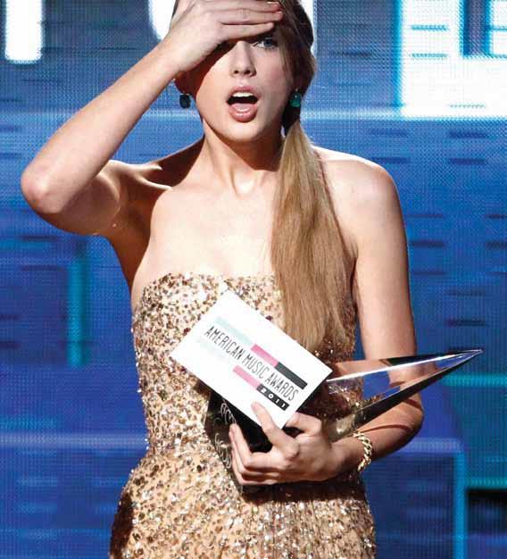 Interesting Green: American Music Awards 2011 Taylor Swift ...