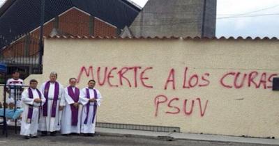Periodismo anti-religioso en octubre, ¿Coincidencia?