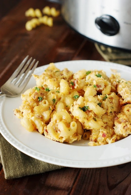 Slow Cooker Bacon Macaroni and Cheese