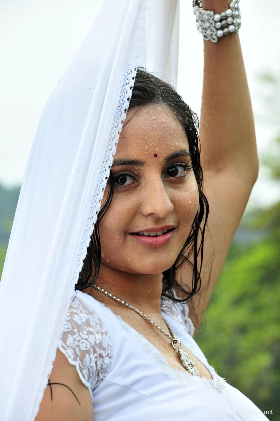 Cute Photos Malayalam Movie Actress Bhama Latest Photos-9721