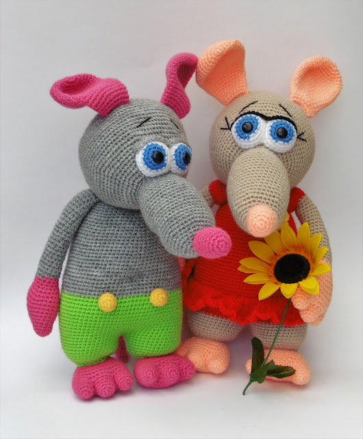 amigurumi-crochet-stuffed-toy-green-ratboy-red-dress-ratgirl-animal