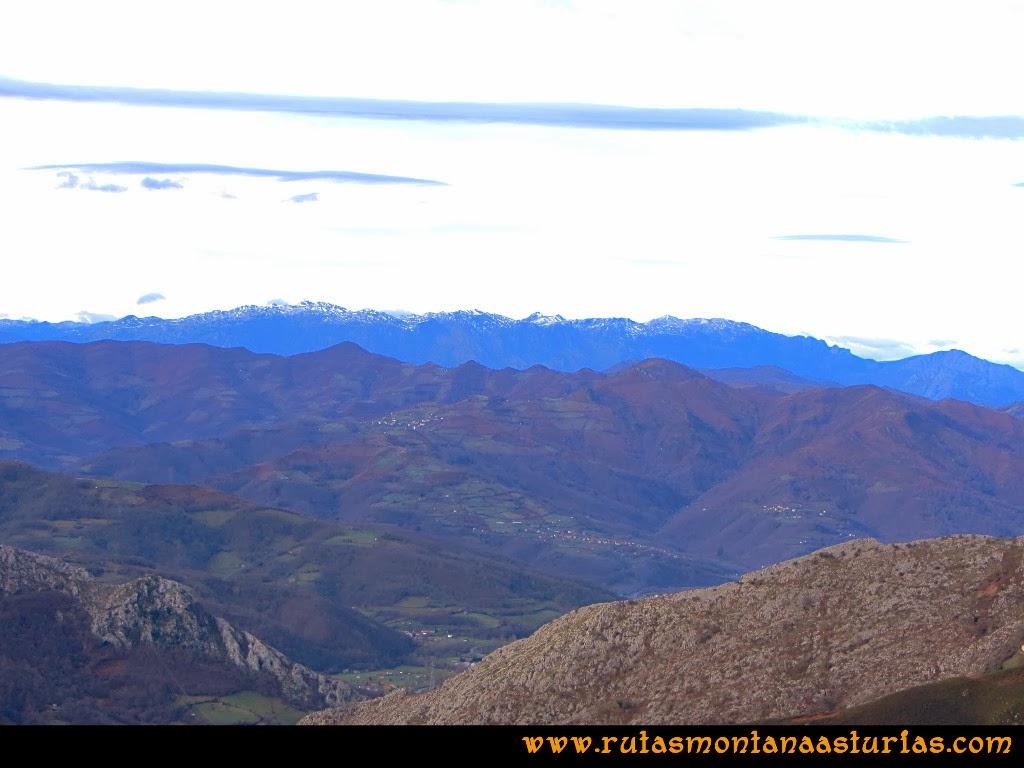 Vista del Aramo desde collada Gamonal