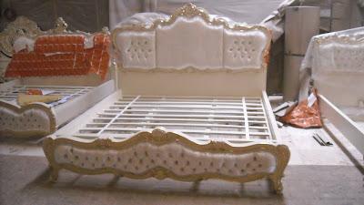 model desain tempat tidur ukir mewah jepara