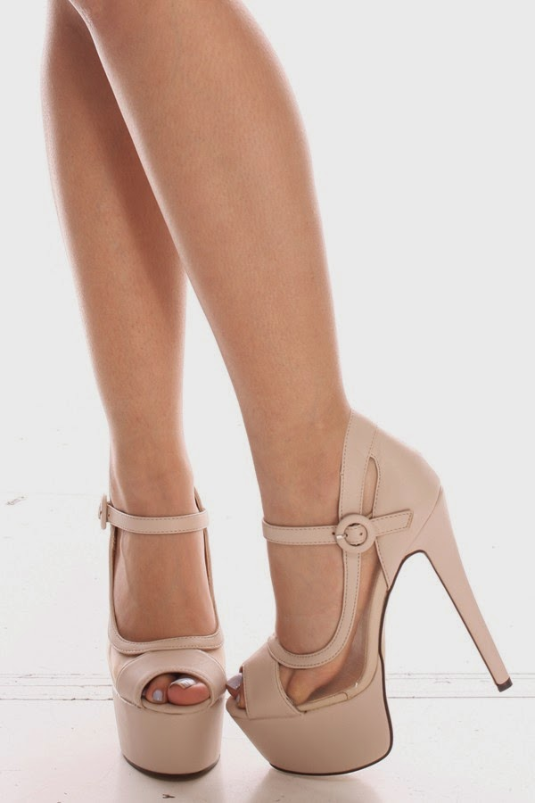 0957926a308 This heel features a single strap design