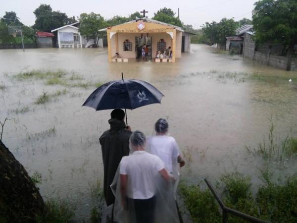 Simbang Gabi Continues In Barangay Bebe Anac In Pampanga Despite High Floods!