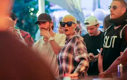 Amber Rose & Scott Disick Hang Out At The VIP Bar As They Party At Coachella (Photos)