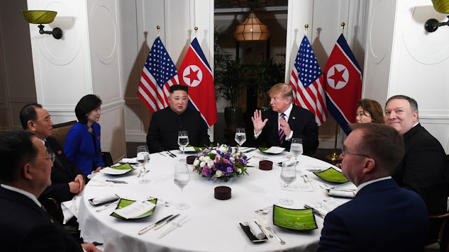 "Trump a periodistas: ""Pagarían por escuchar nuestra conversación con Kim Jong-un"""