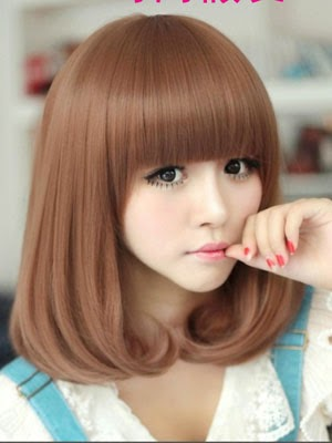 Cantik Dengan Model Rambut Pendek Elegan Laura Jane