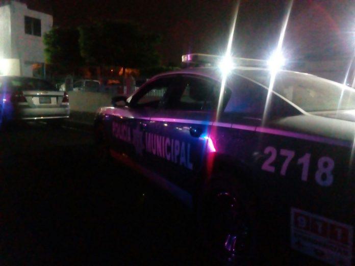 Comando Levanta a 15 personas en restaurante de Culiacán