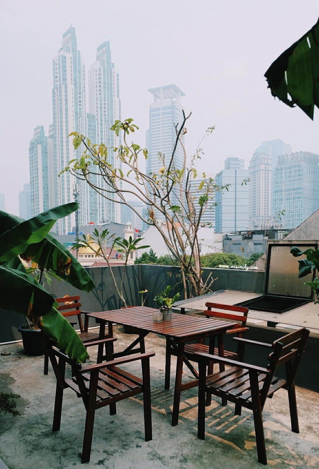 hotel dengan rooftop di jakarta