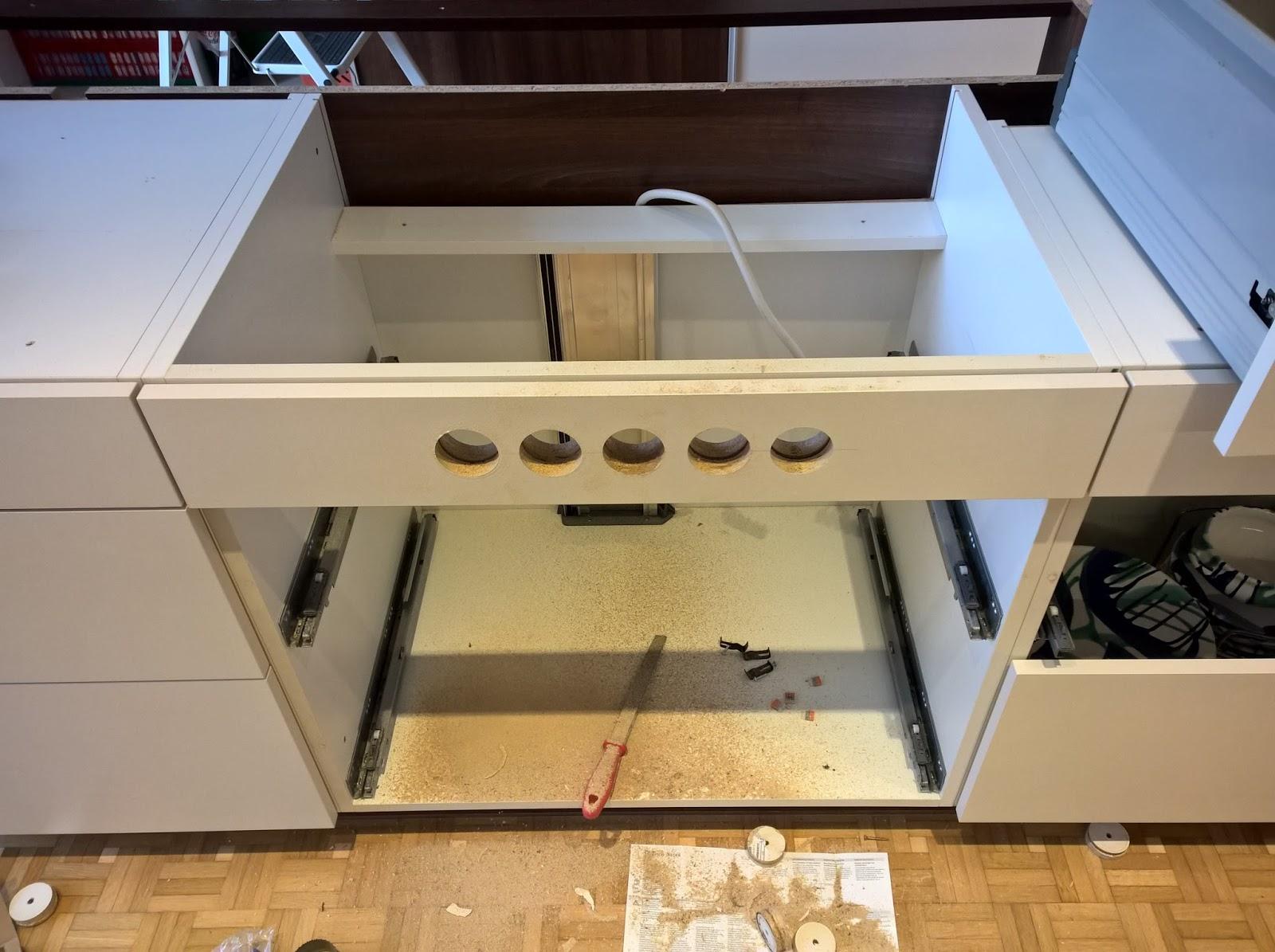 einbau steckdosen arbeitsplatte k che respekta einbau k che k chenzeile k chenblock 330 cm eiche. Black Bedroom Furniture Sets. Home Design Ideas