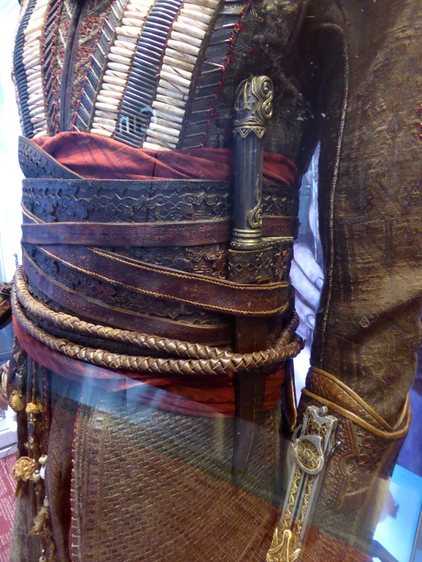 Aguilar Assassins Creed dagger costume detail