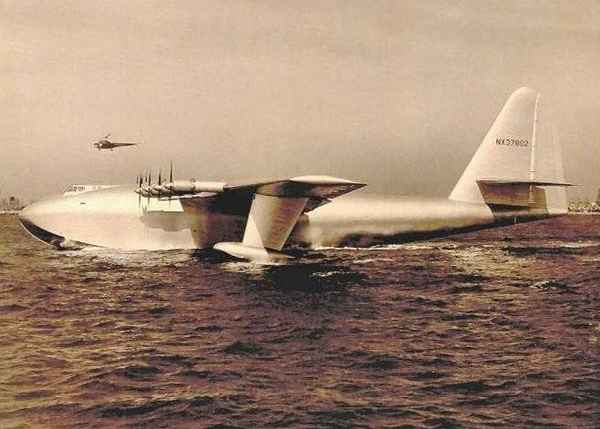 hydravion Spruce Goose, de Howard Hughes