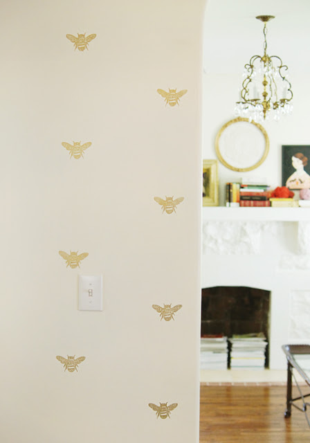 Bumble bee wall stamps