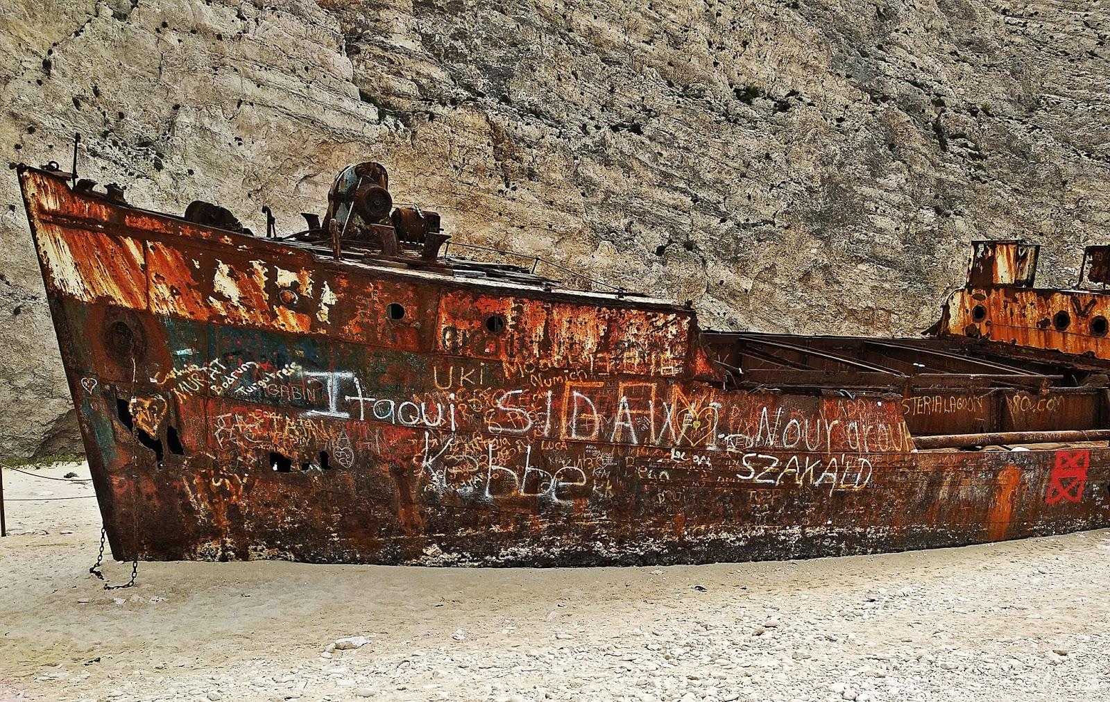 zakynthos port shipwreck navagio beach karyn blog modowy