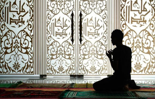 Ada spesialis ibadah berjulukan Abu bin Hasyim yang berpengaruh sekali tahajudnya Beginilah Ahli Ibadah Yang Merugi