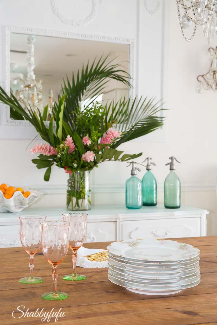 Tropical Decorating Ideas With Flowers - shabbyfufu.com
