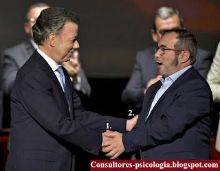 Comunicación no verbal presidente Santos en la segunda firma del acuerdo de paz