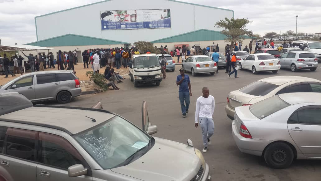 Panic buying causes congestion at Beitbridge border post