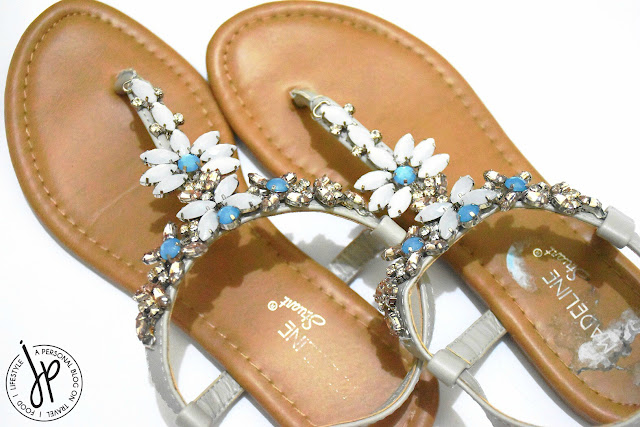 thong sandals with jewels and stones