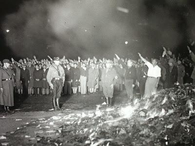 http://2.bp.blogspot.com/-nZiUTh9tERc/VCXvmRLRtXI/AAAAAAAAEH4/ZEOrp26vUiM/s1600/Nazi%2BBook%2BBurning.jpg