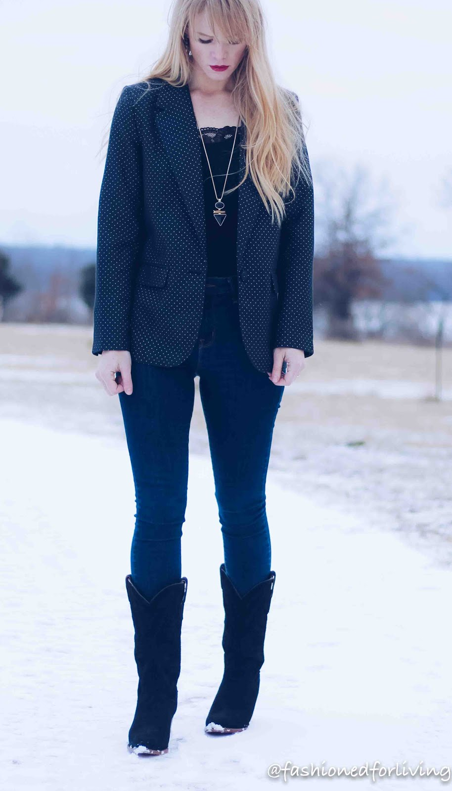 womens black suede boots outfit