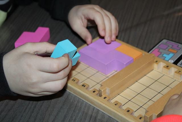 jeu de société abordant la logique et la géométrie dès 3 ans