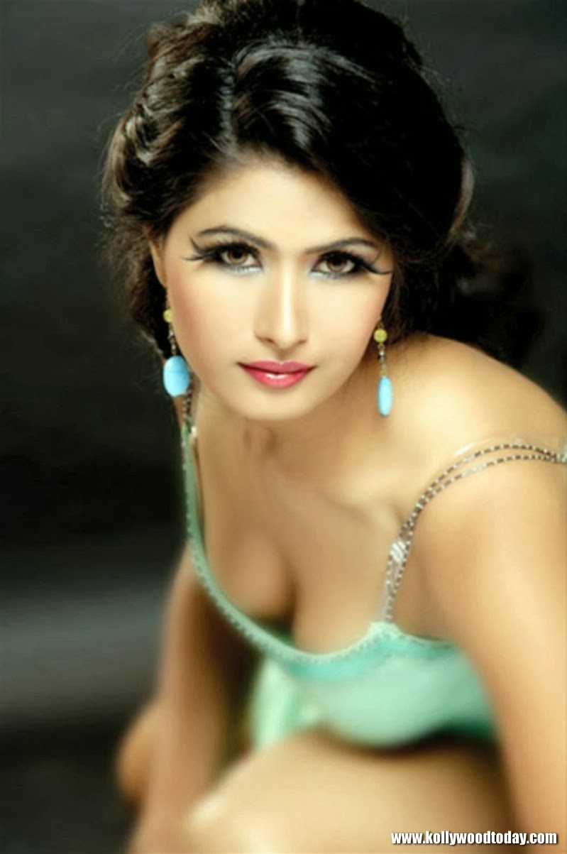 ragini dwivedi height weight