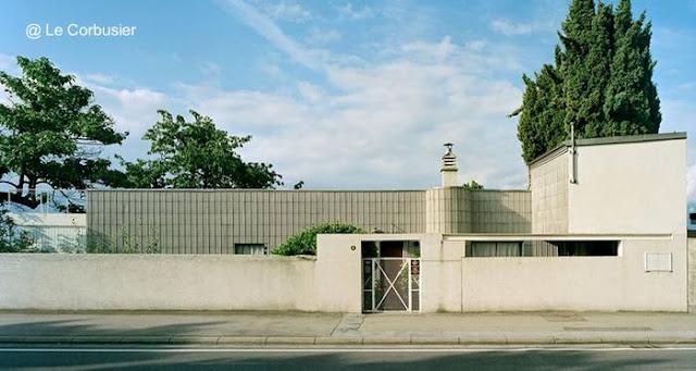 Villa Le Lac diseño de Le Corbusier vista desde la calle en Suiza 1923-24