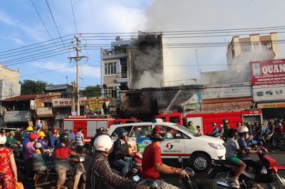 cháy lớn trong chợ Sặt tại TP Biên Hoà