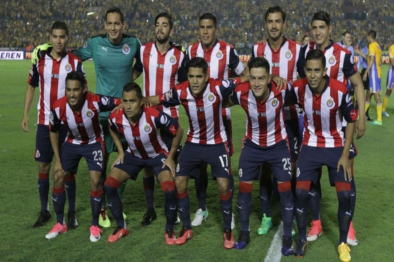 Los once Chivas de la ida ante Tigres.