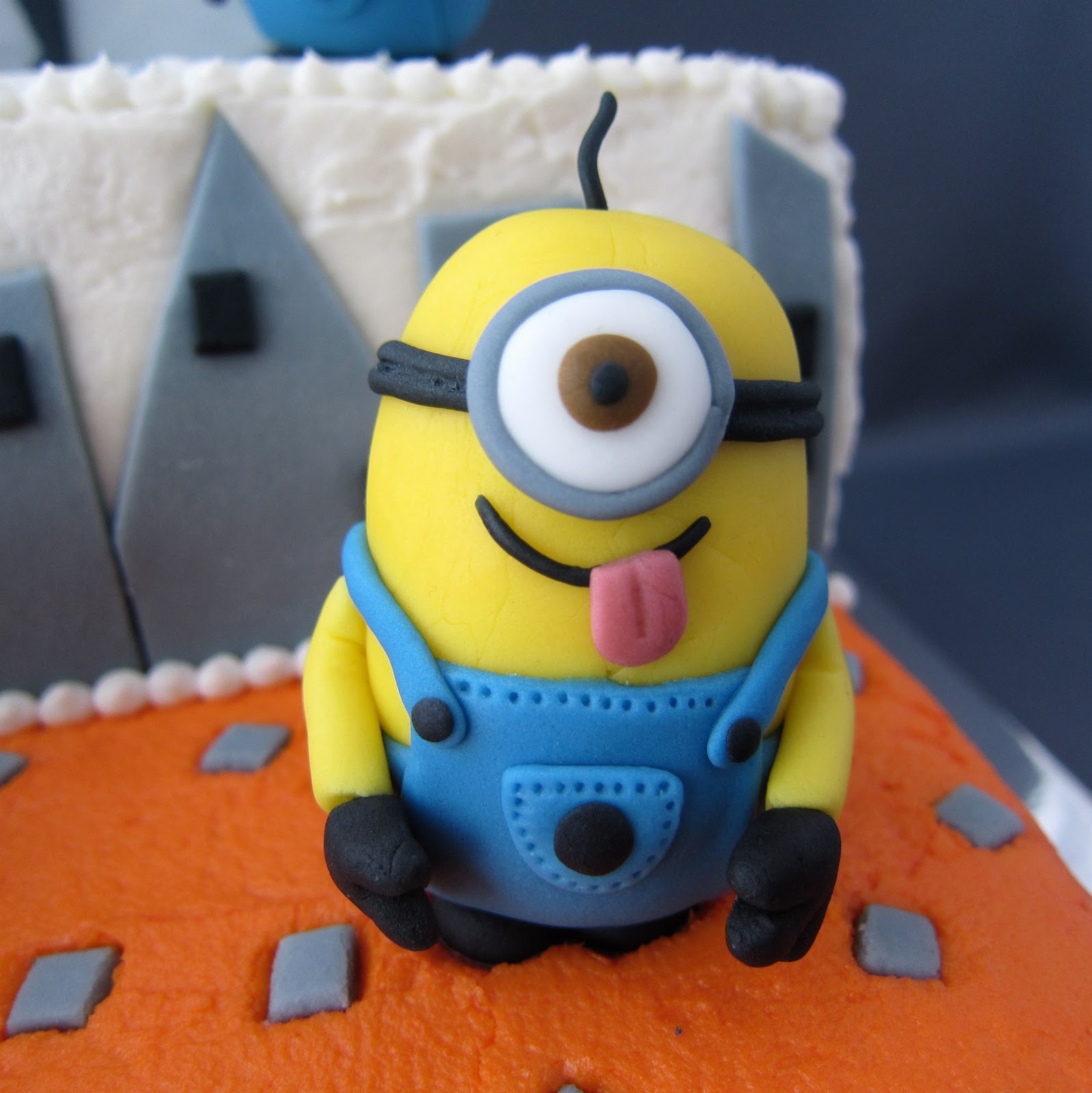 Despicable Me Minion Cake Decorations