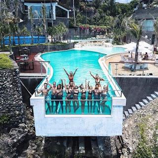 Kolam Renang Ekstrim Di Uluwatu Bali