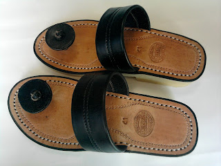 Sandal Tarumpah jamur untuk laki laki