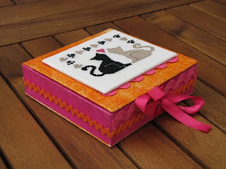caja, boite, box, cartonnage, point croix, cross stitch, valentine