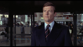 Roger Moore als James Bond in Live and let Die