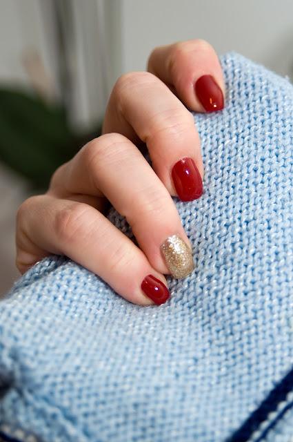 czerwone paznokcie klasyczny manicure