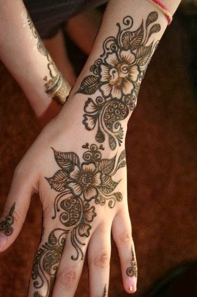 Latest Mehndi Designs For New Year 2014