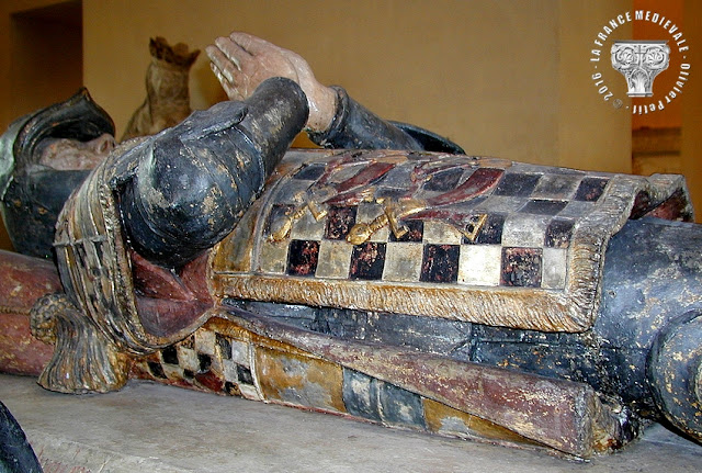 PARIS (75) - Musée du Louvre : Tombeau de Philippe Pot (1477-1483)