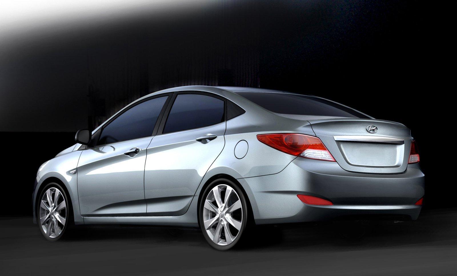 Hyundai Verna Fluidic RB 2011 Price In India Review